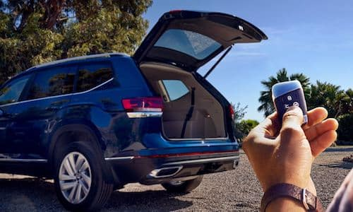 2021 Volkswagen Atlas available remote power liftgates