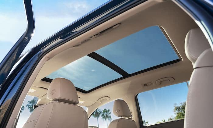 2021 Volkswagen Atlas available panoramic sunroof