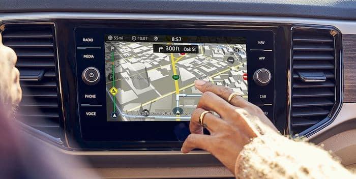 2021 Volkswagen Atlas touchscreen navigation system