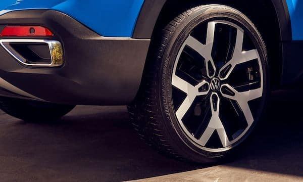 2022 Volkswagen Taos 19-inch alloy wheels