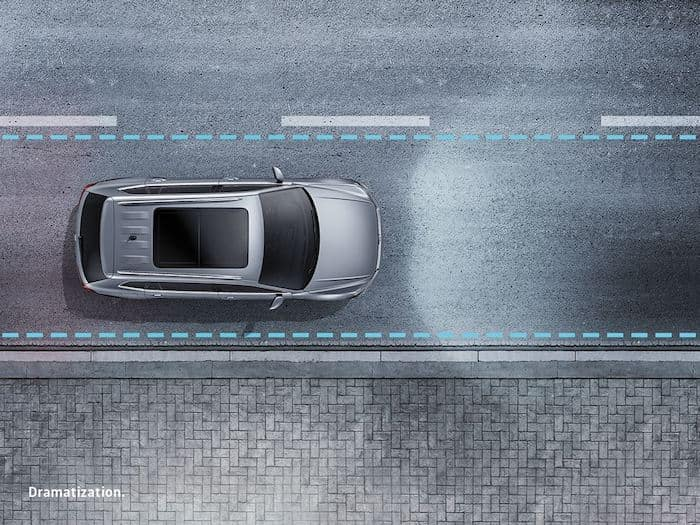 2022 Volkswagen Taos Lane Assist safety feature
