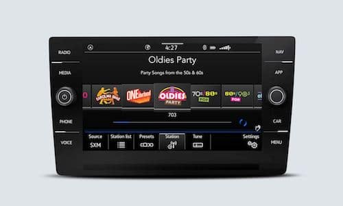 2022 Volkswagen Taos SiriusXM with 360L touchscreen interface