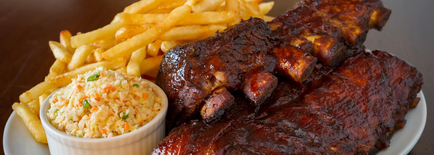 pork ribs with sides