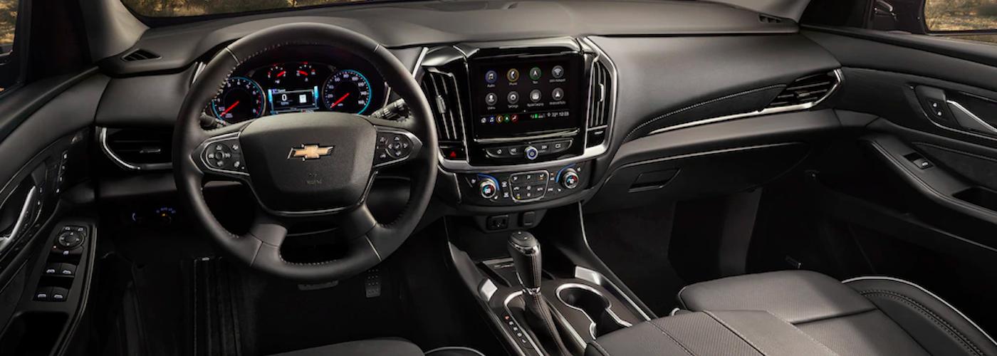2020 chevy traverse black interior dashboard view