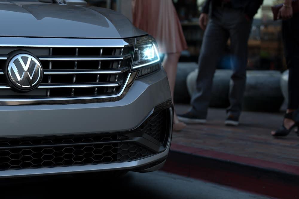 2020 Volkswagen Passat Headlights