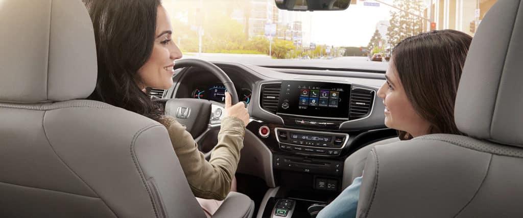 2020 Honda Pilot front interior