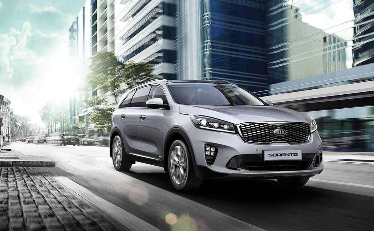 2019-Kia-Sorento-in-the-city