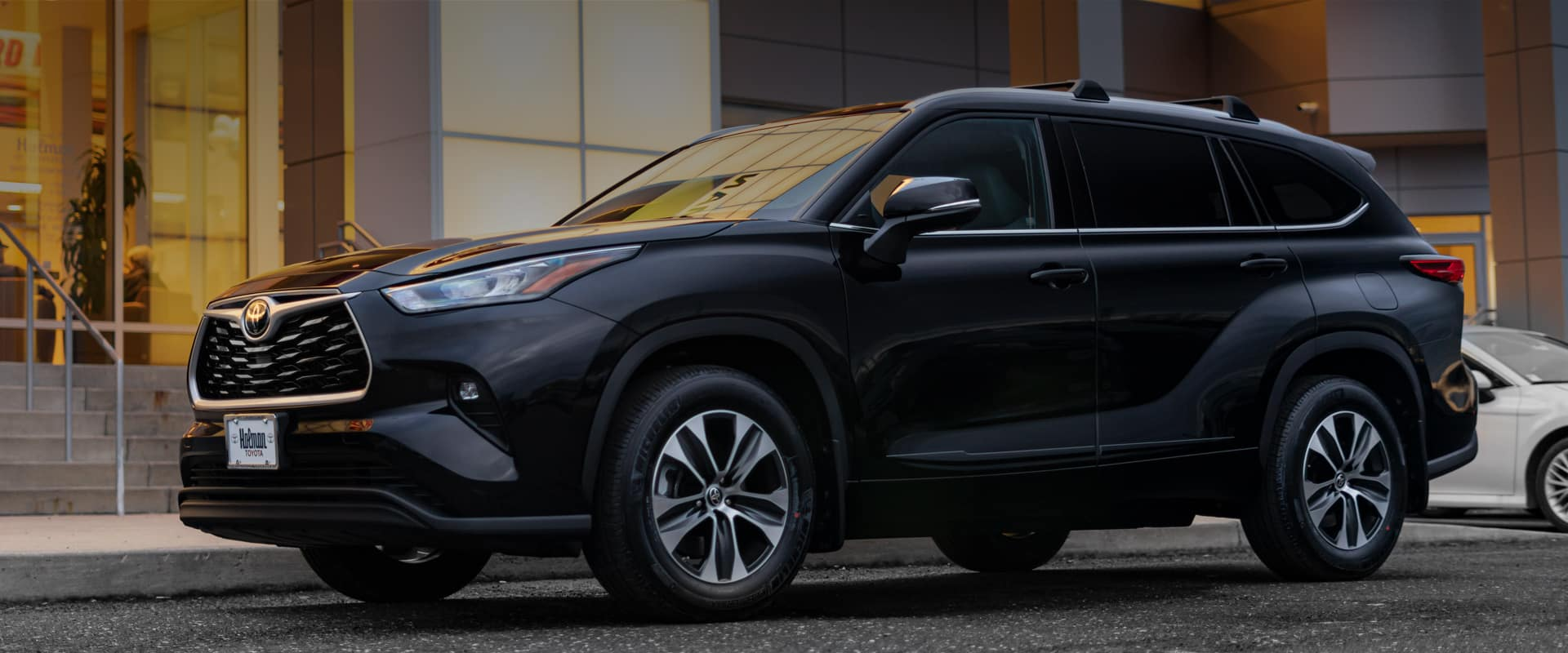 2020 Toyota Highlander at Holman Toyota Front View