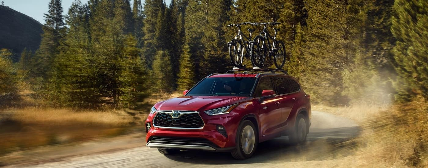2020 Toyota Highlander on Road