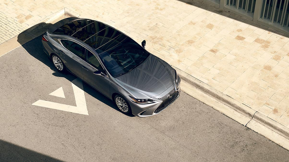 2019 Lexus ES 350 exterior parked