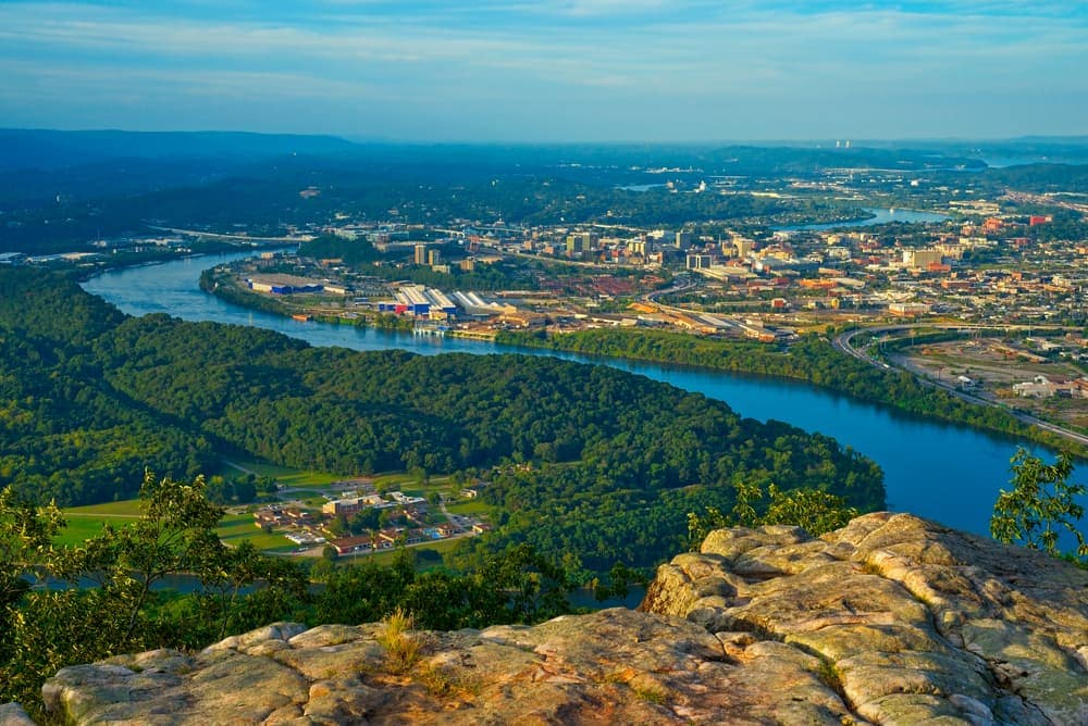 Aerial shot of chattanooga tennessee