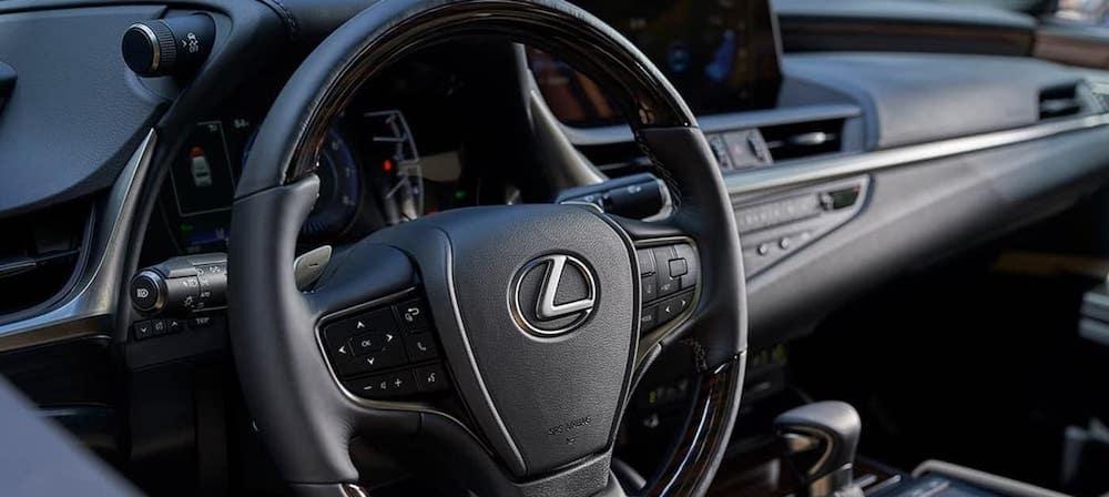 2020 Lexus ES interior steering wheel close up