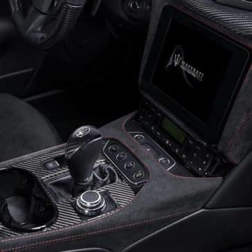 2019-Maserati-GranTurismo-controls