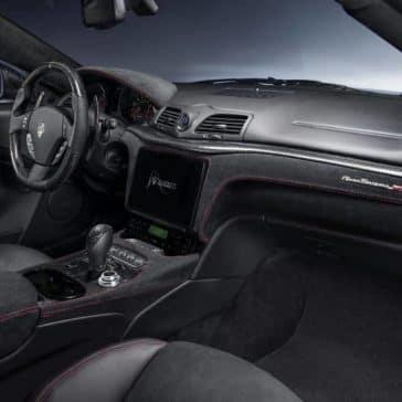 2019-Maserati-GranTurismo-passengers-seat