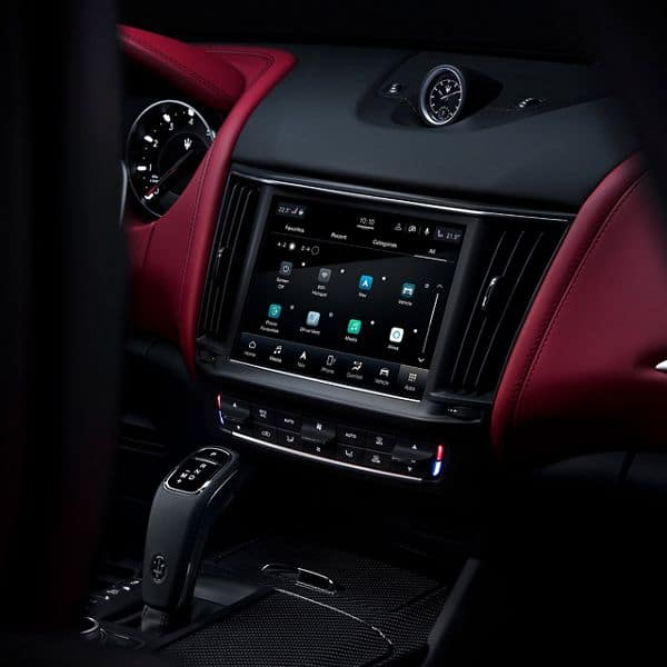 2021_Maserati Levante LV interior connect