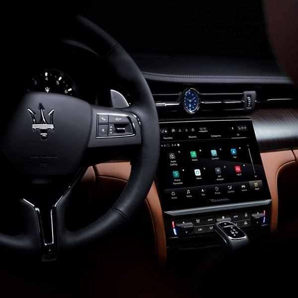 2021_Maserati_Quattroporte_QP_connect interior