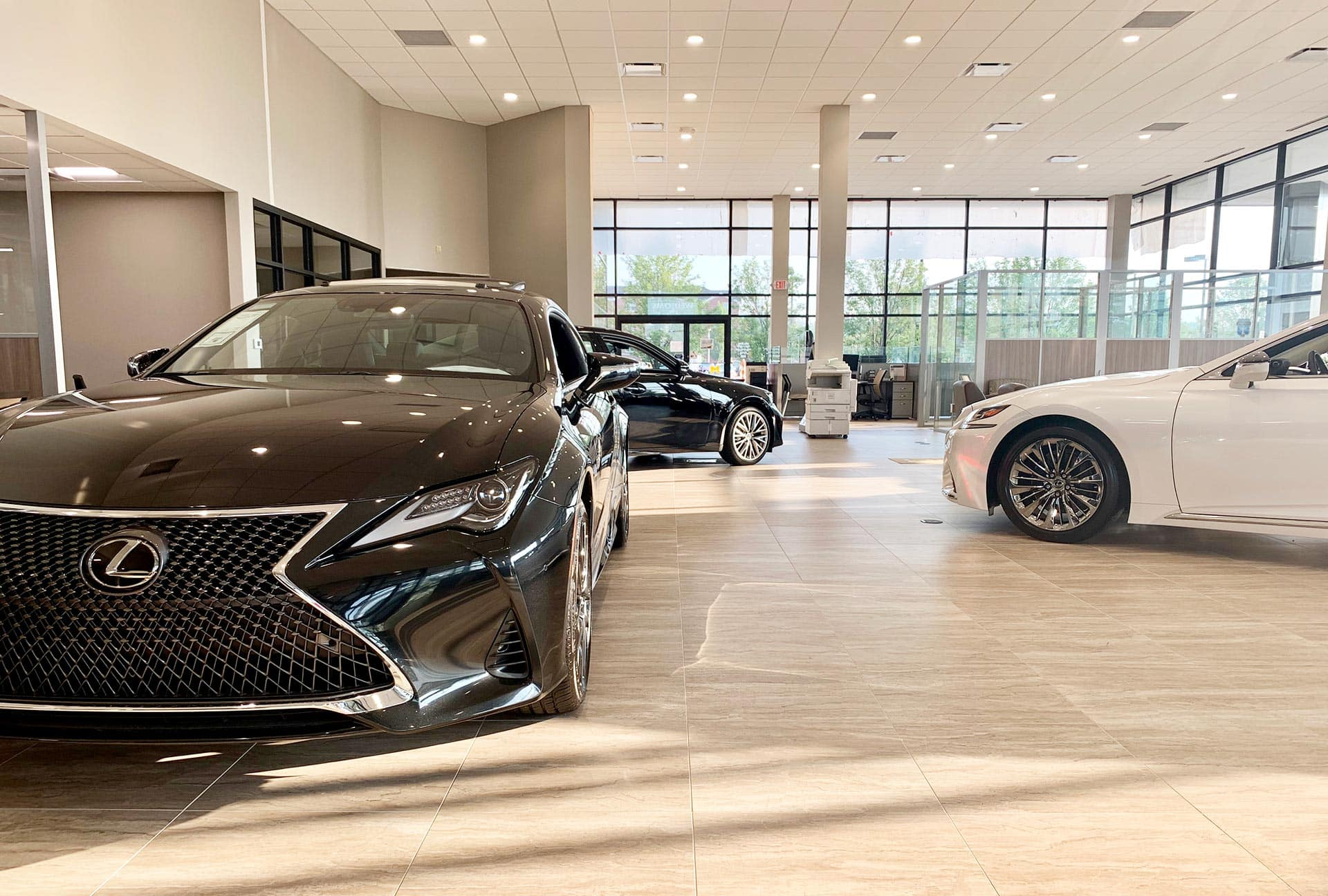 Meade Lexus of Lakeside Showroom Utica MI