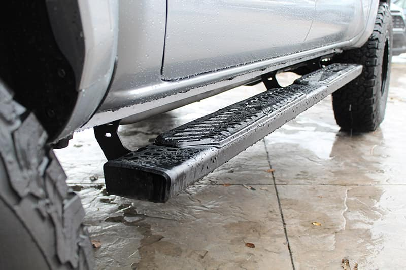 Westin R5 Running Board Black