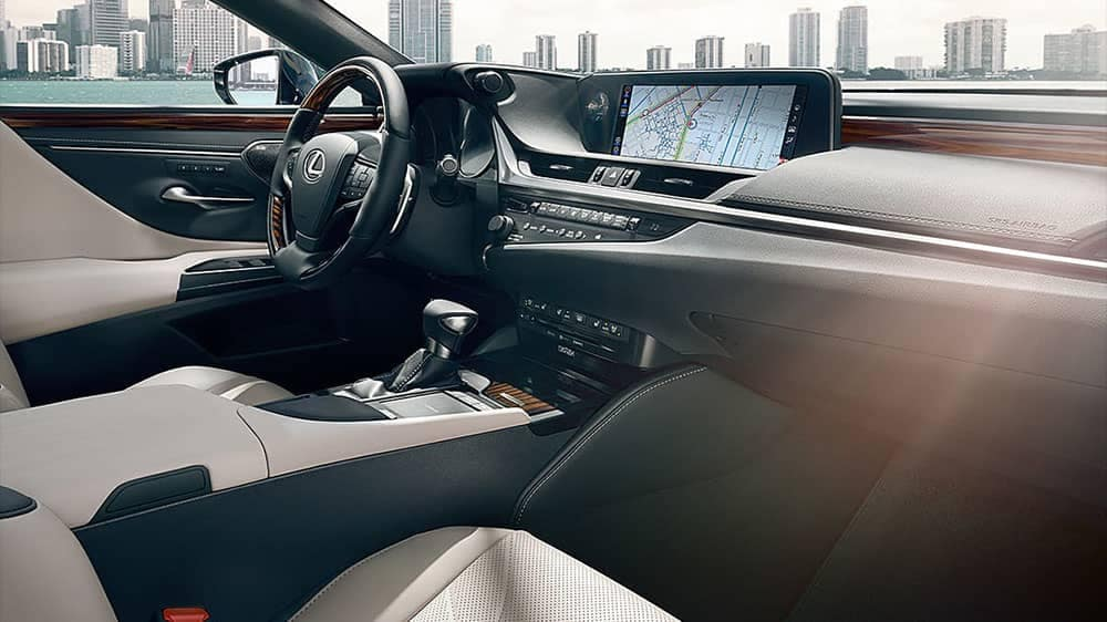 2019-Lexus-ES-dashboard