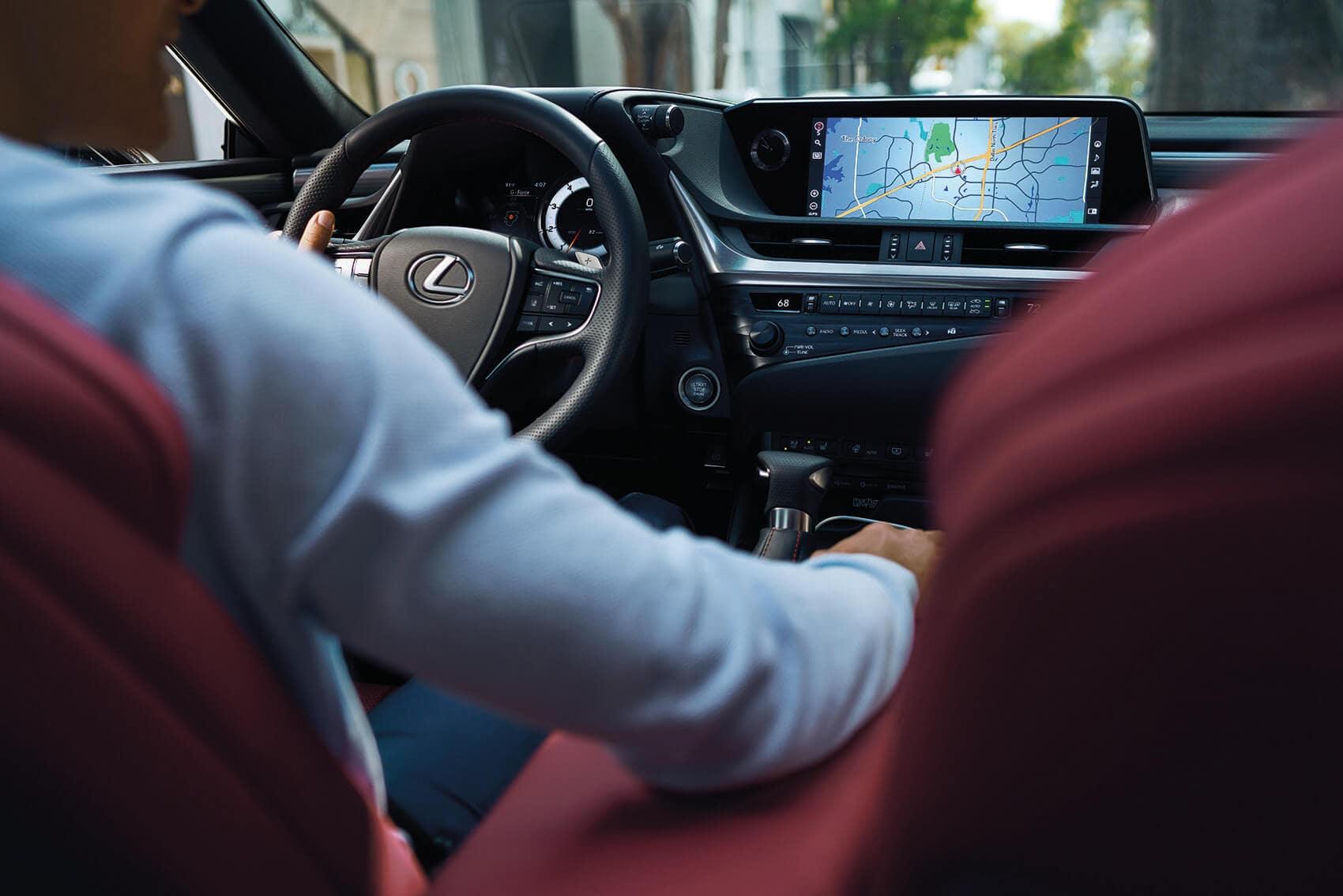 Lexus ES Tech