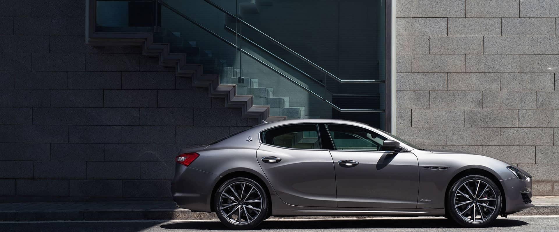 2019-Maserati-Ghibli-2