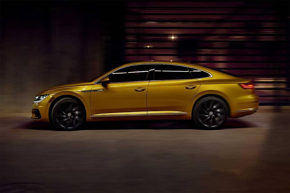 2019 VW Arteon Side