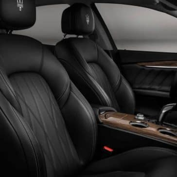 2019-Maserati-Ghibli-front-interior