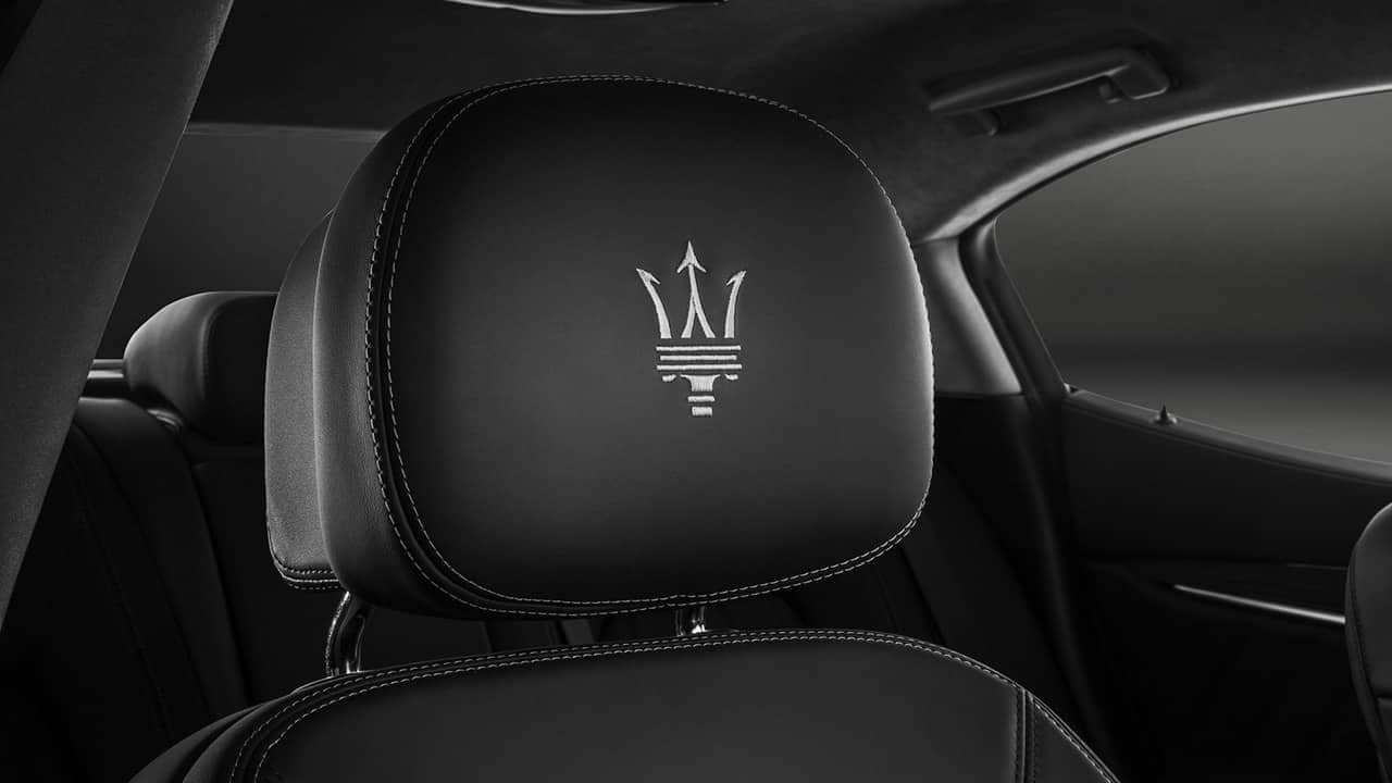 2019-Maserati-Ghibli-headrest