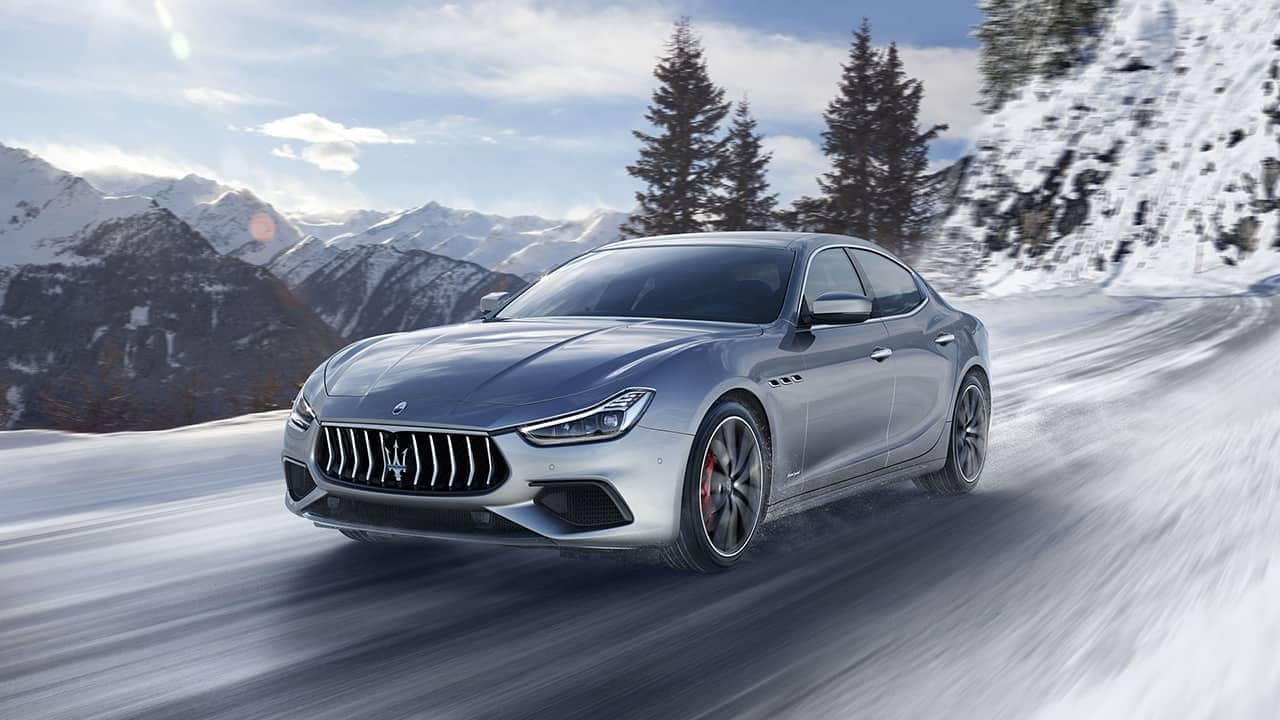 2019-Maserati-Ghibli-in-the-snow