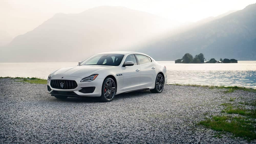 2019 Maserati Quattroporte by water