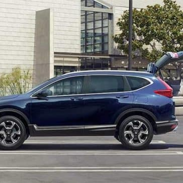 Couple Loading Couch into 2019 Honda CR-V