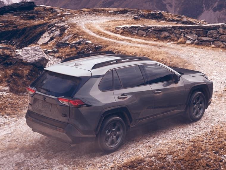 2020 RAV4 driving in desert