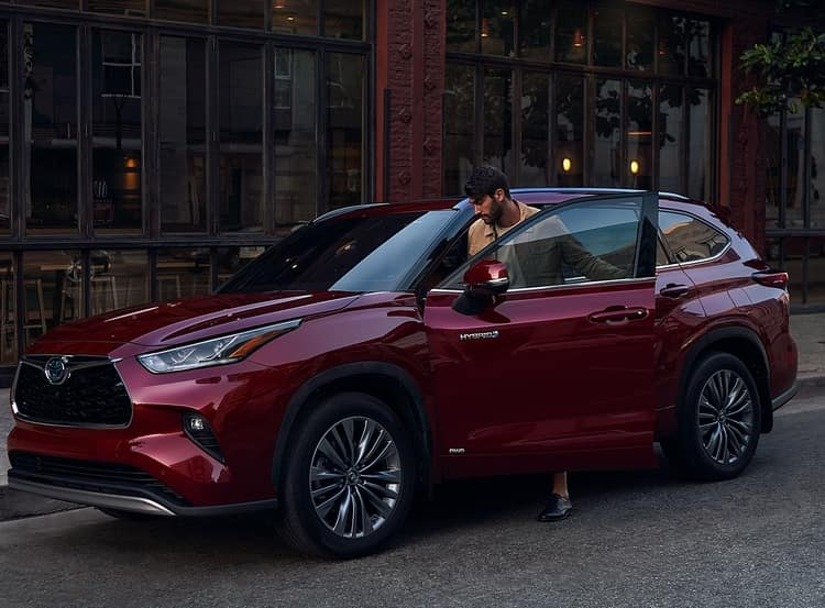 2020 Red Toyota Highlander