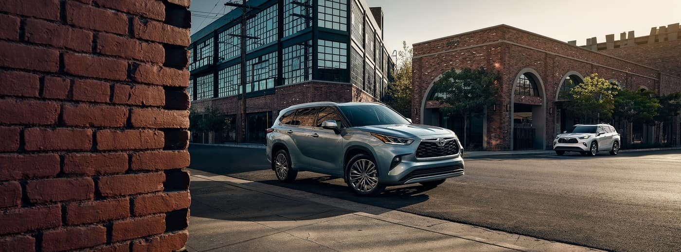 2020 Toyota Highlander in city